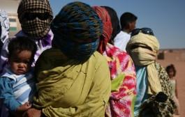 محتجزو مخيمات تندوف يتظاهرون بالجزائر ضد العطش