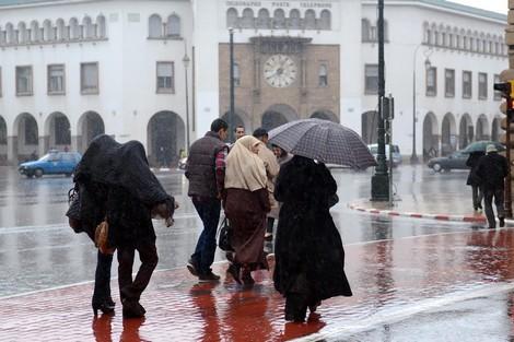 نشرة خاصة. تساقطات مطرية عاصفية بهذه المدن