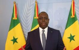الرئيس السينغالي يُصلي بضريح الزاوية 'التيجانية' بفاس