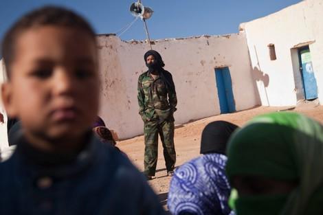 السعودية تُدعم البوليساريو. الرياض تُقدم شحنة من التمور لـ'اللاجئين الصحراويين'