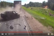 فيديو : التهور في عملية التجاوز يؤدي إلى حادثة مأساوية