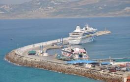 استئناف الحركة الملاحية بين ميناء طنجة وطريفة بعد تحسن أحوال الطقس