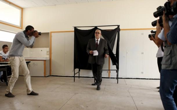 """تصريحات """"لشكر"""" حول تدخل أمريكا في الإنتخابات تثير الجدل بالمغرب"""