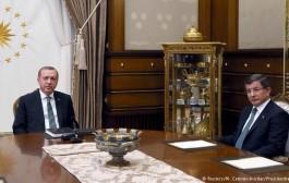 خلاف حول الخيانة بينه وبين أردوغان يدفع بـ'داوود أوغلو' للاستقالة من الحكومة ورئاسة 'العدالة والتنمية'