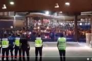 فيديو . مغاربة يحتجون على الشرطة الإسبانية بعد إغلاق معبر مليلية