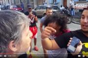 فيديو . مغاربة يرغمون نادل مطعم في فرنسا على الإعتذار بعد رفضه خدمة محجبتين