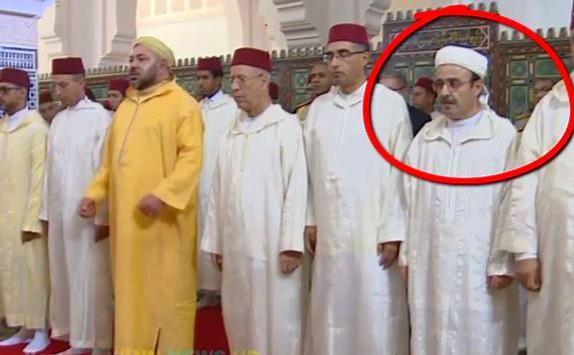 فيسبوكيون: 'أين رئيس الحكومة من الصلاة الى جانب الملك…إشارات ما بعد الإنتخابات البرلمانية'