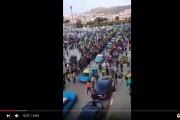 فيديو . توافد المواطنين عبر سيارات الطاكسي إلى الحسيمة لتخليد أربعينية 'محسن فكري'