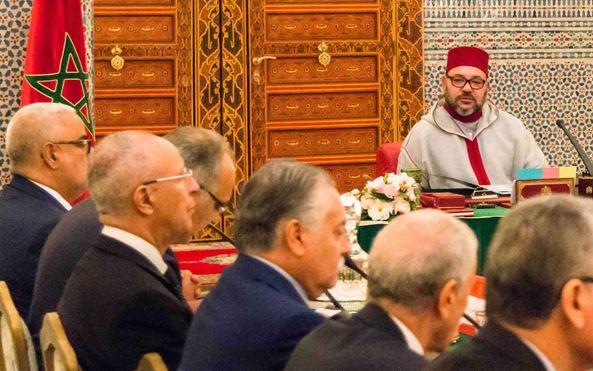 الكلام لم ينتهي بعد . تدخل ثان للملك يعيد الكلام بين بنكيران و أخنوش لتسريع تشكيل الحكومة