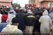 فيديو . بحضور مستشاري الملك ..الآلاف يشيعون جثمان شيخ البودشيشيين