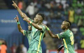 بالفيديو . السنغال أول المتأهلين إلى ربع نهائي كأس إفريقيا بعد فوزه على الزيمبابوي