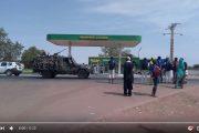 فيديو . الجيش السينغالي يدخل غامبيا لإزاحة 'يحيى جامع' عن السلطة بعد رفضه اللجوء للمغرب