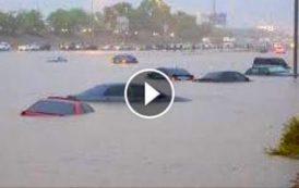 فيديو . الفيضانات تغرق الطريق السيار بالدار البيضاء