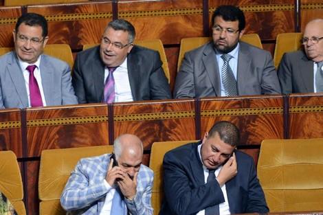 البرلمانيون 'العاطلون' غاضبون بسبب عدم توصلهم بـ'الحصانة' و 'بونات المازوط' و اشتراكات الهاتف
