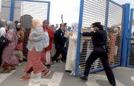 """السلطات المغربية و الإسبانية تغلقان معبر سبتة المحتلة بعد موت """"حمالة"""" مغربية"""