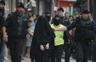 الأمن الإسباني يوقف 'داعشية' مغربية ببرشلونة