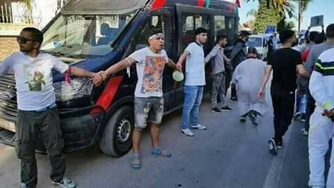 صور وفيديو. ساكنة الحسيمة تكسب إحترام المغاربة بمسيرة سلمية تاريخية في إنضباطٍ أخجل الأحزاب السياسية