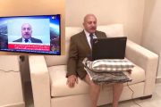 فيديو. مُحلل سياسي في بث مباشر على 'الجزيرة' من داخل غرفة فندق بالشورط
