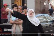 فيديو . مسنة تصرخ وسط شوارع الحسيمة : عاش الريف