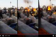 فيديو . بائع متجول يحرق جسده بالناظور