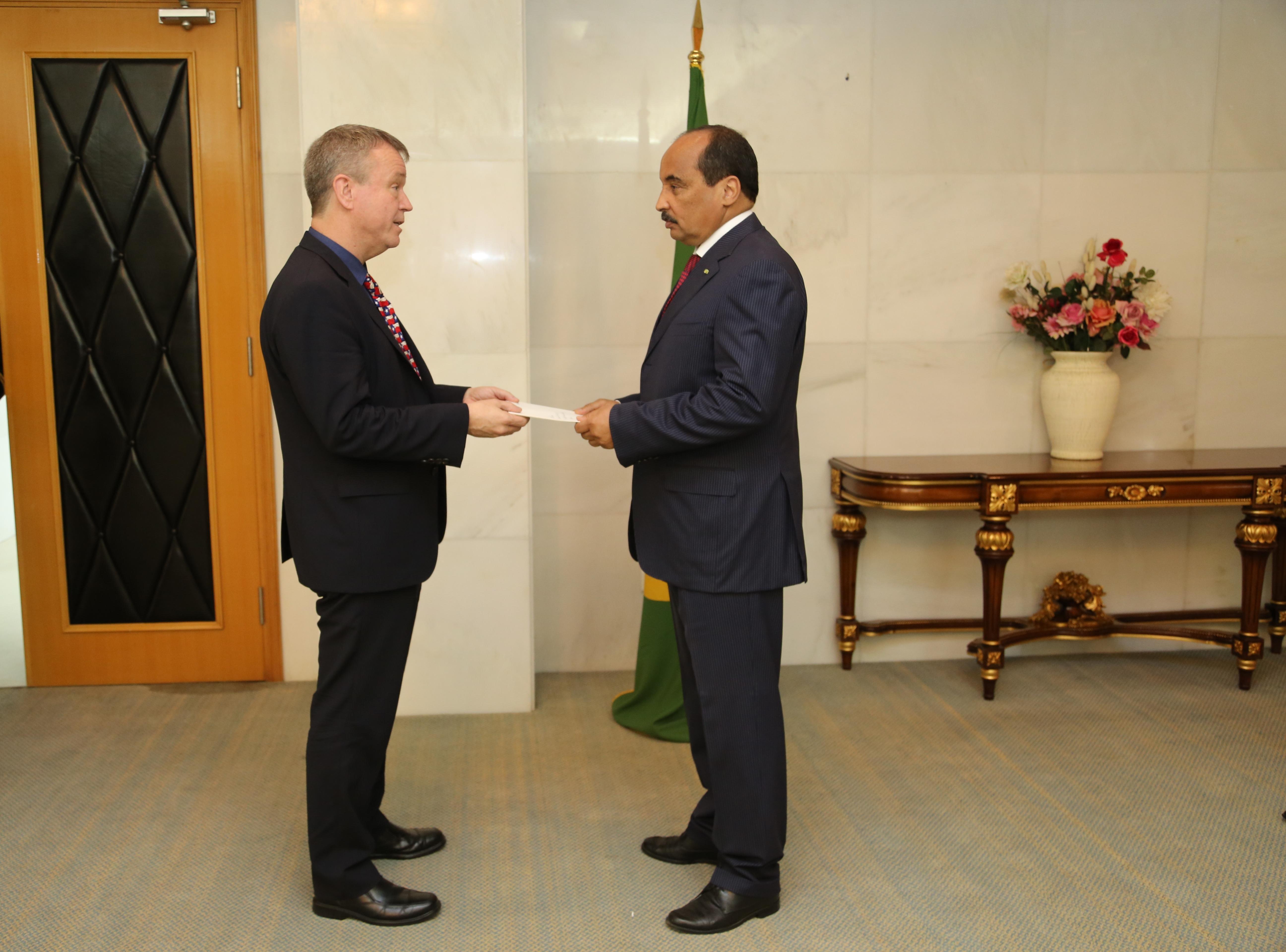 سفير أمريكا بموريتانيا : البوليساريو أسقطت 3 قذائف هاون على السفارة الأمريكية بنواكشوط