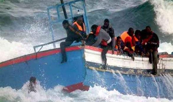 البحرية الملكية تنقذ 140 مهاجراً سرياً أفريقيا بالسواحل المتوسطية