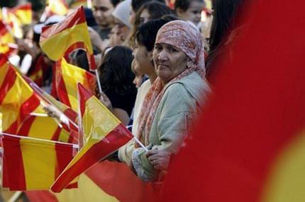معهد الإحصاء بمدريد: عدد المغاربة المقيمون بشكل شرعي بإسبانيا يلامس المليون