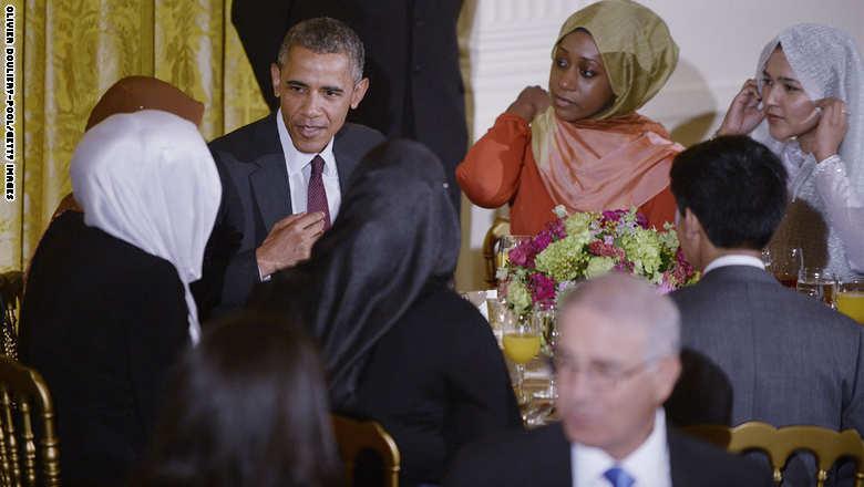 صور. أوباما يُقيم حفل افطار بالبيت الأبيض - زنقة 20
