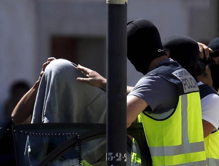 إسبانيا تعتقل موريتانياً قتل خطيبته المغربية و حاول الفرار عبر المطار !