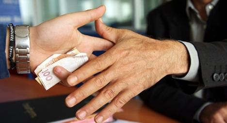 السجن 8 أشهر لحارس أمن بمستشفى بيوكرى تلقى رشوة بـ100 درهم !