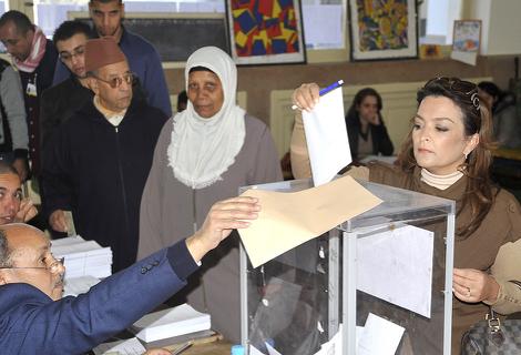 مغاربة العالم يتساءلون عن سبب إقصائهم من المشاركة في الإنتخابات الجماعية