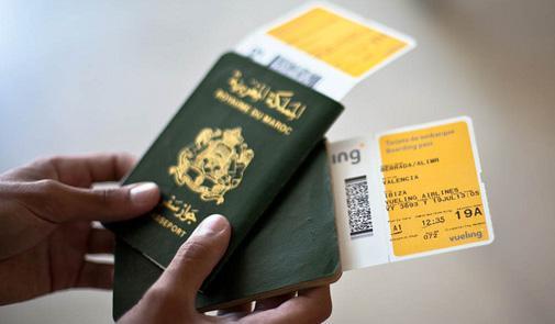 بعد الزيادة في 'التمبر' ..الباسبور المغربي يتقدم في قائمة أقوى جوازات السفر و يتيح السفر لـ61 دولة بدون فيزا