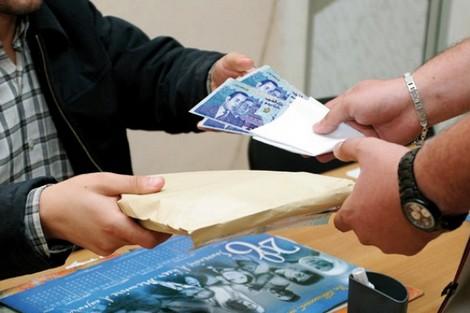 وزير : الرشوة تكلف المغرب 2 في المائة من النمو الإقتصادي سنوياً !