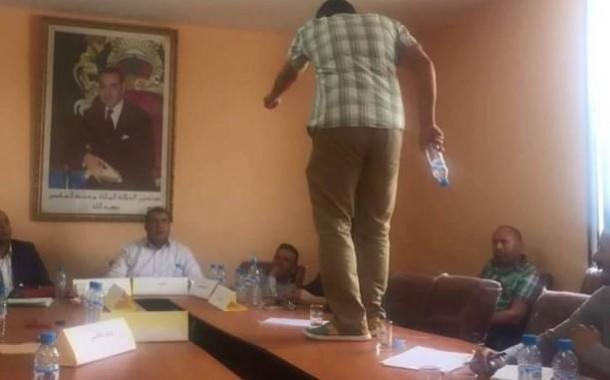 السجن لمستشار جماعي بشيشاوة خلع ملابسه في دورة المجلس !