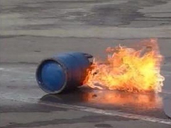 صور | انفجار 'بوطة' يودي بحياة طفلة بوزان و يصيب أفراد أسرتها بجروح و اندلاع احتجاجات بعد تأخر الإسعاف