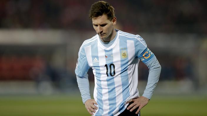 مدرب الأرجنتين يستبعد ميسي من جميع مباريات المنتخب خلال 2018