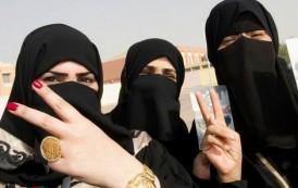 """بوريطة يكشف ملابسات اشتراط """"محرم"""" للمغربيات المسافرات إلى الدول العربية !"""