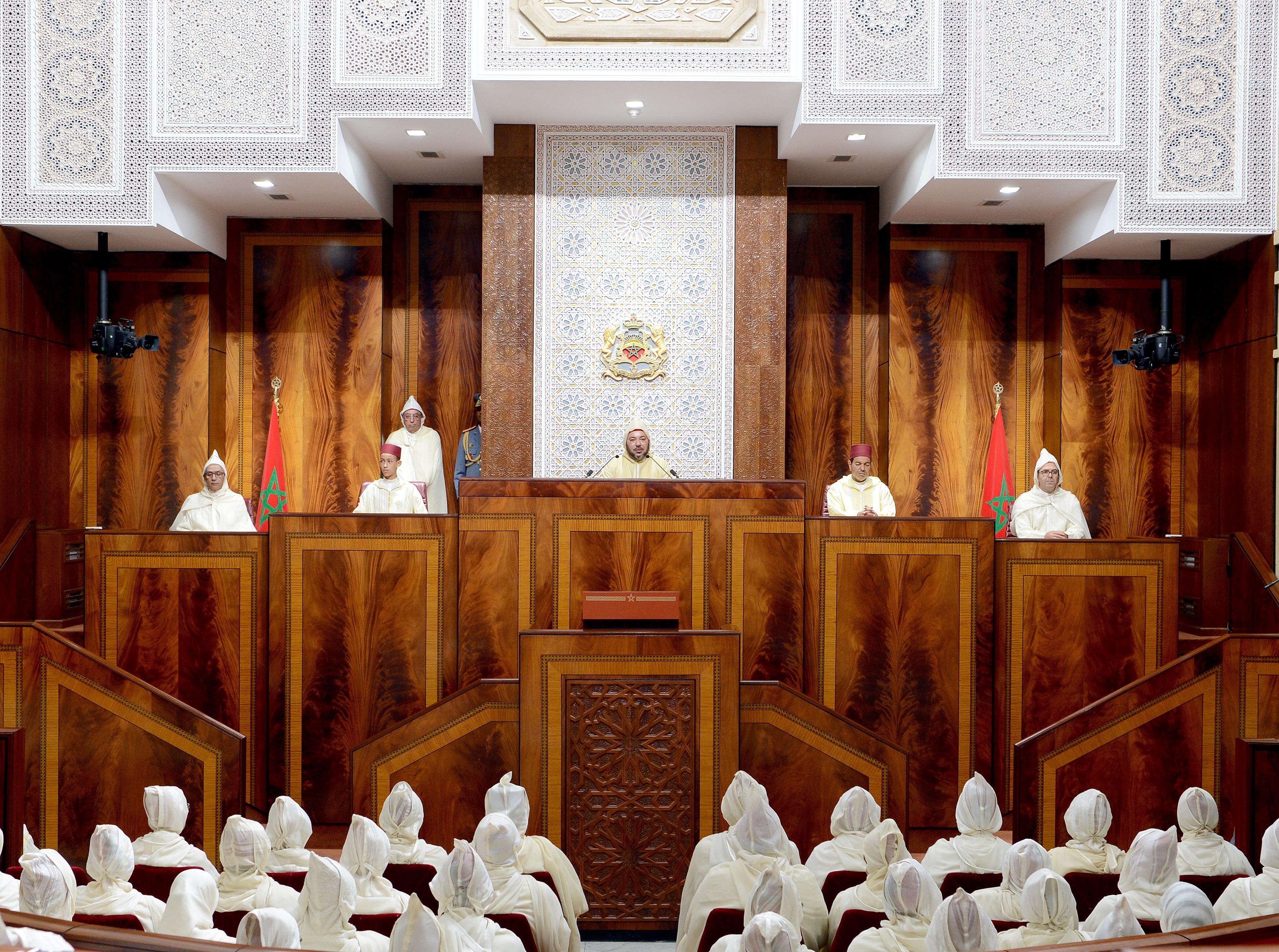الملك يفتتح البرلمان غداً الجمعة و ضوابط صارمة تُفرض على 'نواب الأمة' !