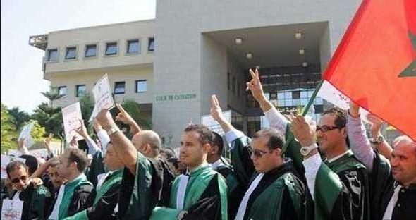 القضاة يخرجون إلى الشارع للمطالبة برفع الأجور و زيادة التعويضات !