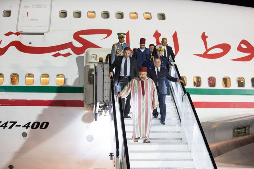 الملك يعود لأرض الوطن بعد قضائه عطلة قصيرة بالكوت دفوار