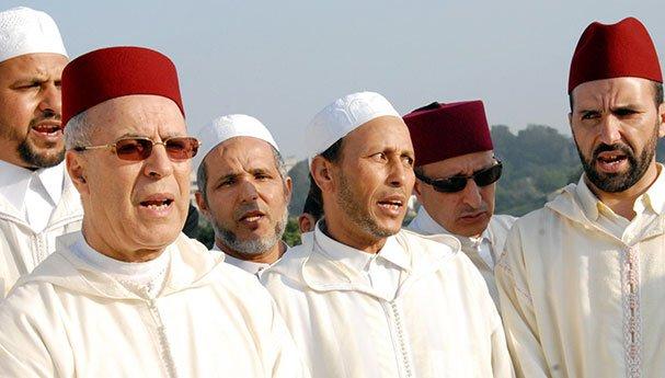 التوفيق يمنع تعليق المنشورات و الإعلانات بمساجد المملكة !