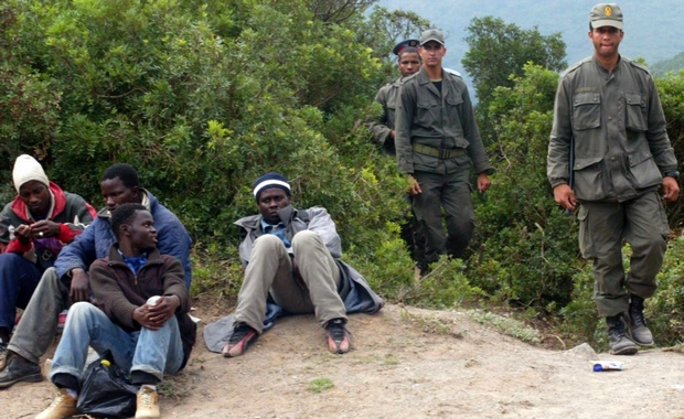 مهاجرون أفارقة يشتبكون مع القوات العمومية ضواحي طنجة