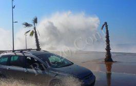 نشرة إنذارية . أمواج البحر بين الرباط و طرفاية ستصل لـ6 أمتار