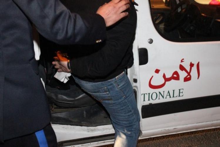 اطلاق الرصاص بسيدي معروف لتوقيف مروج مخدرات هاجم عناصر الشرطة بكلبه