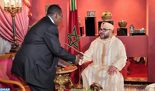 'عمر البشير' يدعو محمد السادس للقيام بزيارة رسمية الى السودان