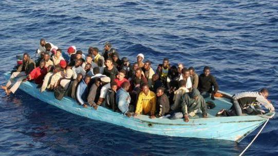 محاكمة وطرد 20 مهاجرا سريا مغربيا من مايوركا
