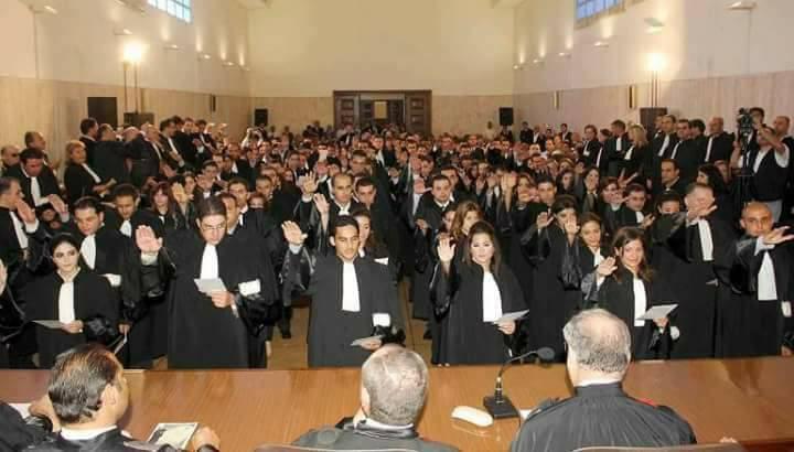 محامون : تعنيف الأساتذة يخرق الدستور و التوظيف حق مشروع !