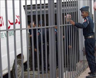 """مندوبية السجون تنفي دخول معتقلين على خلفية """"حراك الريف"""" في إضراب عن الطعام"""