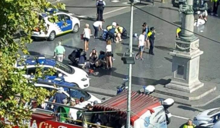سلطات برشلونة تعلن مقتل 10 أشخاص وجرح أخرين في عملية دهس بساحة 'لارامبلا' والشرطة تحاصر متهمين