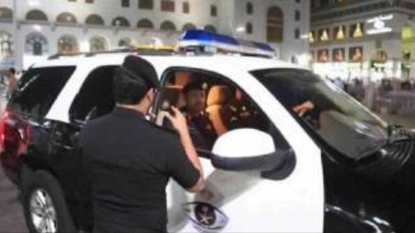 السلطات السعودية تعتقل مغربياً نٓصٓب على عشرات الحُجاج القادمين من بلجيكا وتركهم يبيتون في العراء